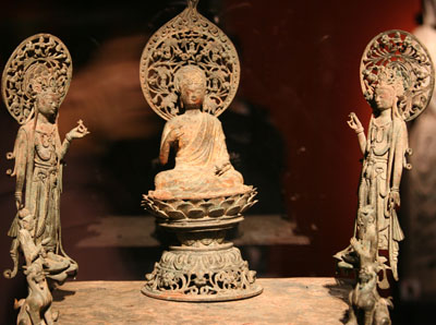 Bronze statues of Amitabha