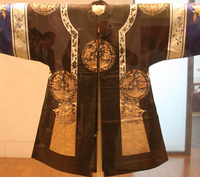 Female robe with Embroidered coiled gold pattern
